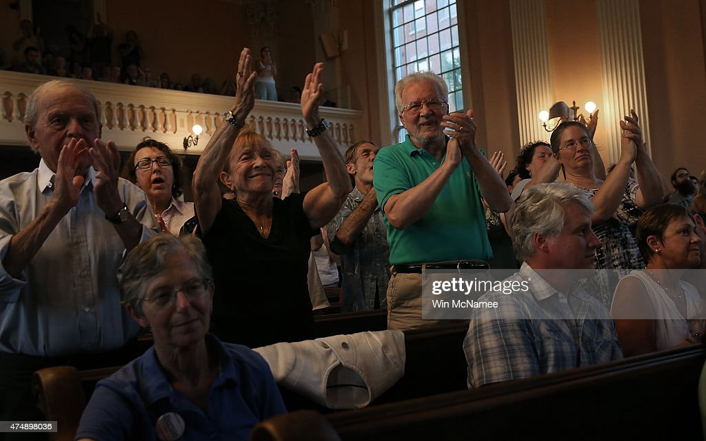 Democratic presidential candidate and U.S. Sen. Bernie Sanders (I-VT) receives a standing ovation while speaking at a town meeting at the South Church May 27, 2015 in Portsmouth, New Hampshire. Sanders officially declared his candidacy yesterday and will run as a Democrat in the presidential election. He is former Secretary of State Hillary Clinton's first challenger for the Democratic nomination.