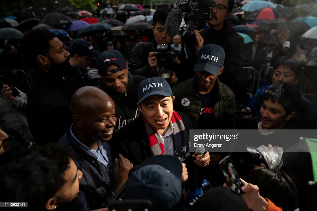 Presidential Candidate Andrew Yang Holds Campaign Rally In New York City : News Photo
