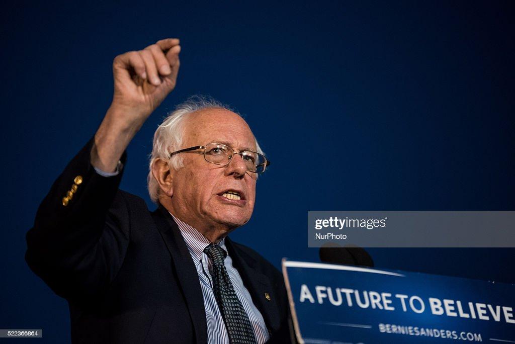 Bernie Sanders rallu in Long Island, New York : News Photo
