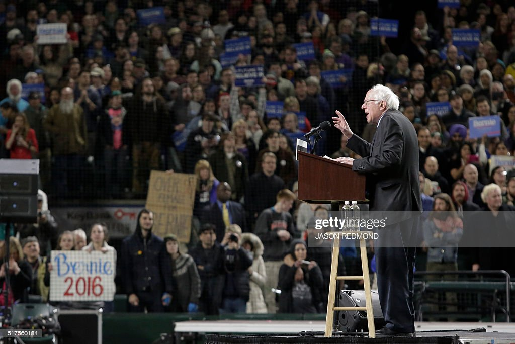 Democratic presidential candidate Bernie Sanders speaks during a rally at Safeco Field in Seattle on March 25, 2016. / AFP / Jason Redmond