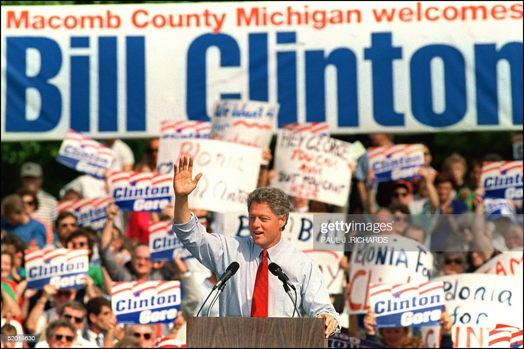 Democratic presidential candidate Bill Clinton in : News Photo