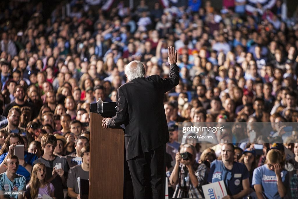 Bernie Sanders' Presidential Campaign Rally : News Photo
