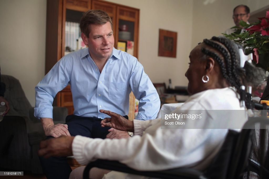 IL: Democratic Presidential Candidate Eric Swalwell Chicago Community Activists To Discuss Gun Violence