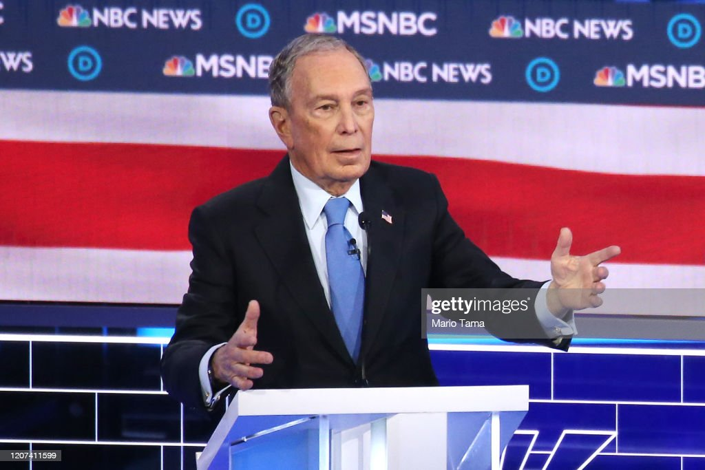 Democratic Presidential Candidates Debate In Las Vegas Ahead Of Nevada Caucuses : News Photo