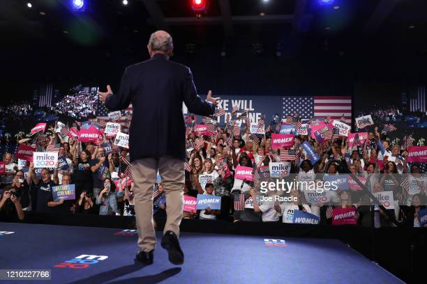 Democratic presidential candidate former New York City mayor Mike Bloomberg takes the stage at his Super Tuesday night event on March 03 2020 in West...