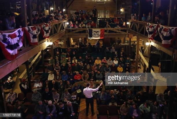 Democratic presidential candidate former South Bend Indiana Mayor Pete Buttigieg speaks at a meet the candidate event on January 29 2020 in Jefferson...