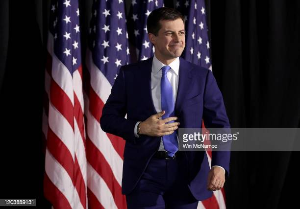 Democratic presidential candidate former South Bend Indiana Mayor Pete Buttigieg arrives at a watch party at Drake University on February 03 2020 in...