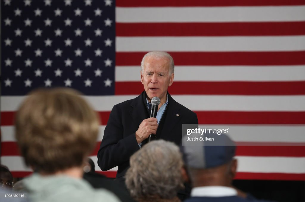 Democratic Presidential Candidate Joe Biden Campaigns In Iowa : News Photo
