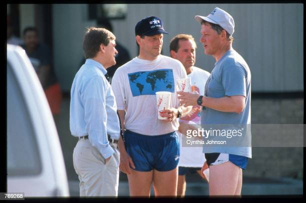 Democratic presidential candidate Governor Bill Clinton speaks with 60 Minutes correspondent Steve Kroft while running mate Senator Al Gore watches...