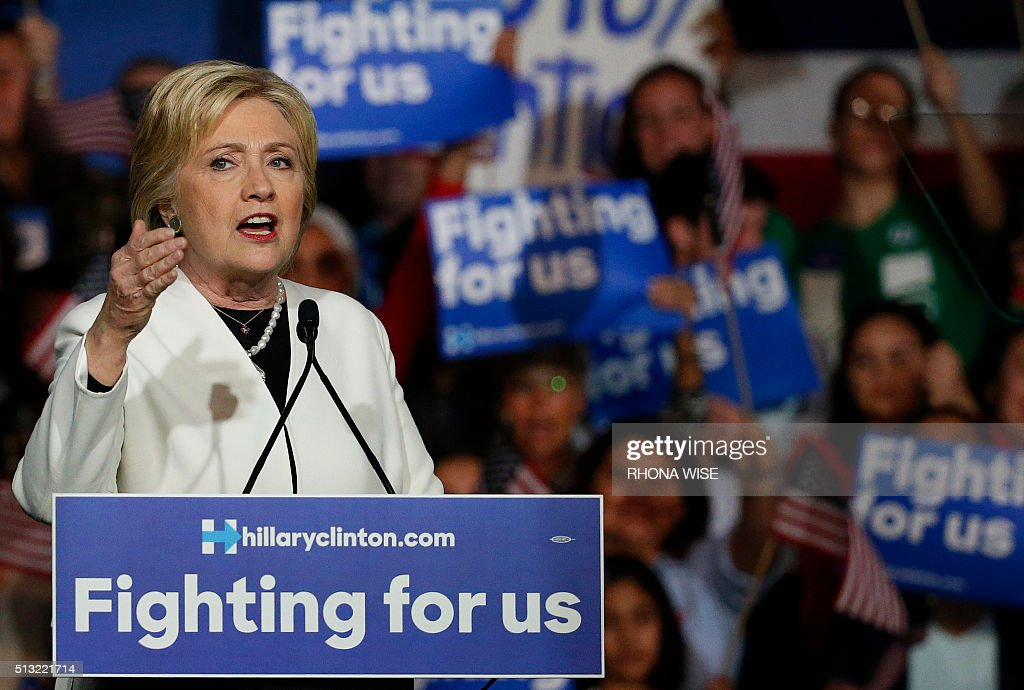 US-VOTE-ELECTION-CLINTON : News Photo