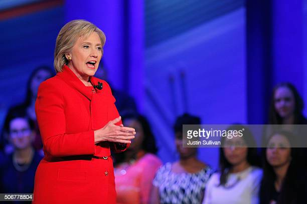 Democratic presidential candidate Hillary Clinton participates in a town hall forum hosted by CNN at Drake University on January 25 2016 in Des...