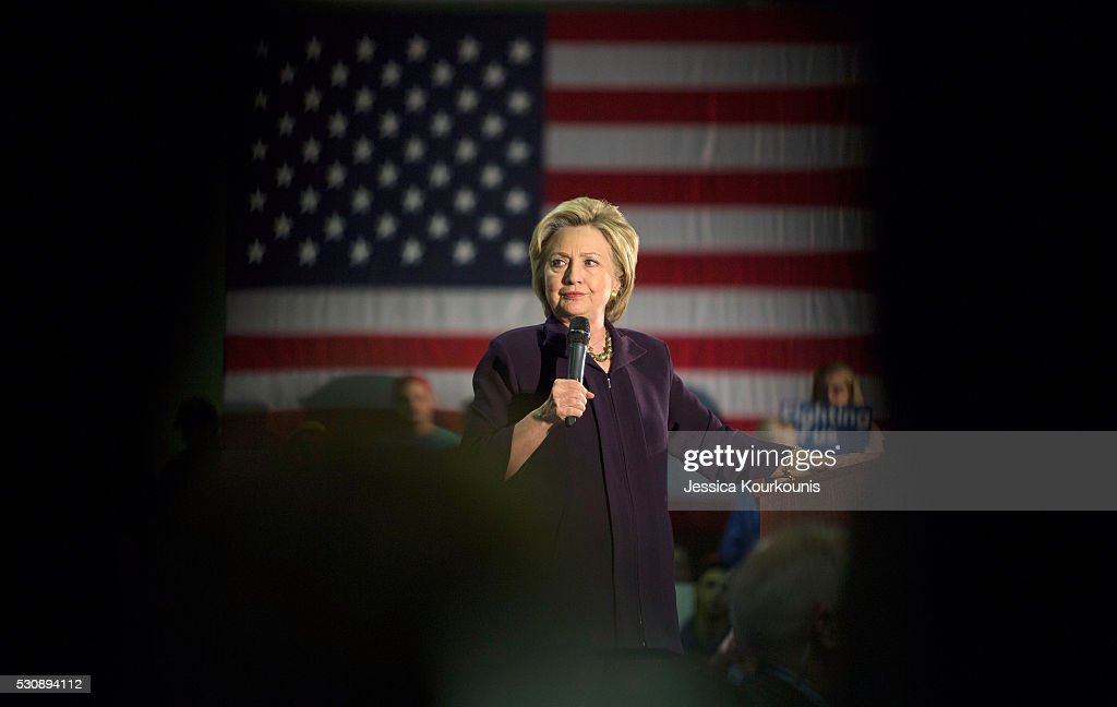 Hillary Clinton Holds Campaign Event In New Jersey : News Photo