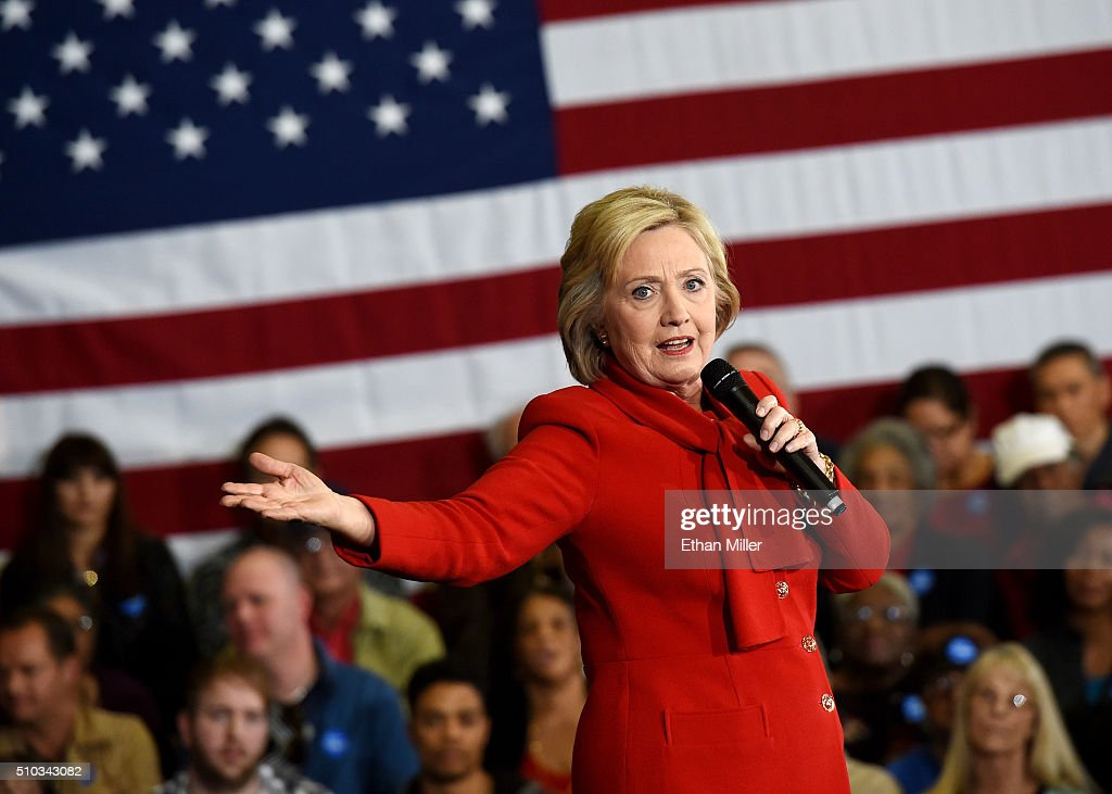 Democratic Presidential Candidate Hillary Clinton Campaigns In Las Vegas : News Photo