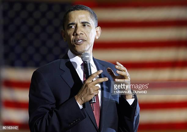 US Democratic presidential candidate Illinois Senator Barack Obama speaks during a town hall meeting at the Casper Recreation Center in Casper...