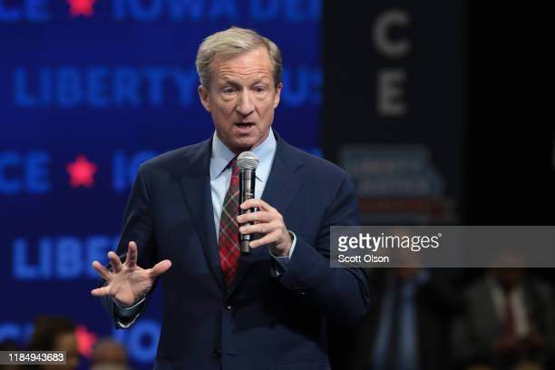 Democratic presidential candidate philanthropist Tom Steyer speaks at the Liberty and Justice Celebration at the Wells Fargo Arena on November 01...