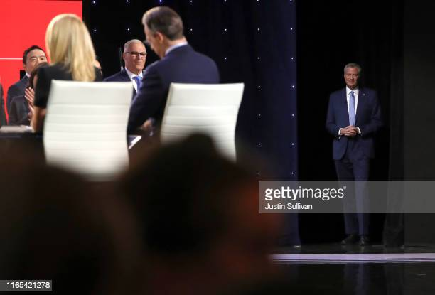 Democratic presidential candidate Rep New York City Mayor Bill De Blasio takes the stage at the Democratic Presidential Debate at the Fox Theatre...