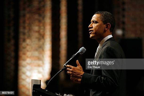 Democratic presidential candidate Sen. Barack Obama speaks at a rally at Valley Forge High School March 1, 2008 in Parma Heights, Ohio. Obama and...