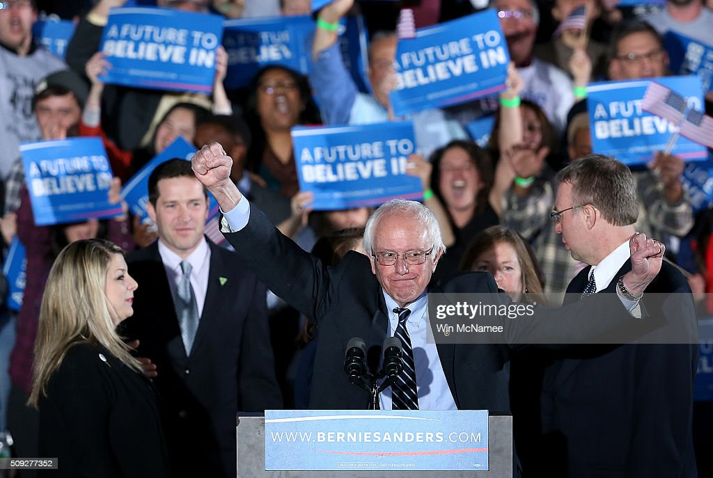 Democratic presidential candidate, Sen. Bernie Sanders Holds NH Primary Night Gathering : News Photo