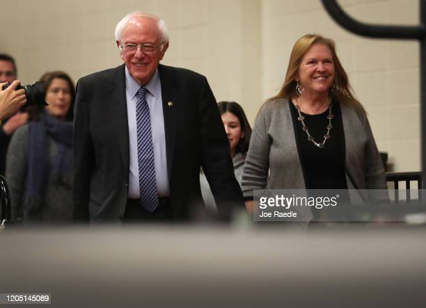 Democratic presidential candidate Sen Bernie Sanders and his wife Jane Sanders arrive for a campaign event at the Keene State College on February 09...