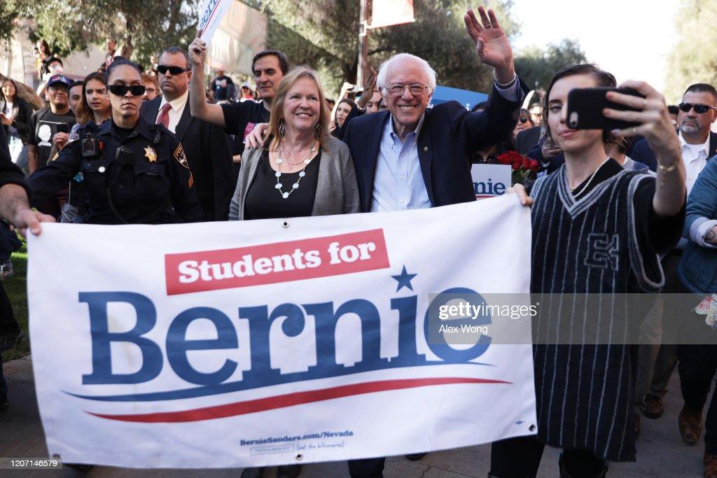 Bernie Sanders Campaigns In Las Vegas In Week Leading Up To Caucus : News Photo