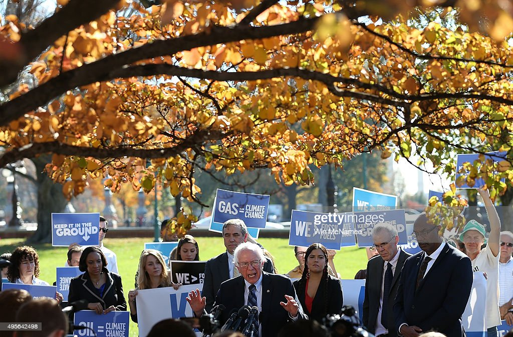 Senators Sanders And Merkley Introduce The 'Keep Fossil Fuels in The Ground Act Of 2015' : News Photo