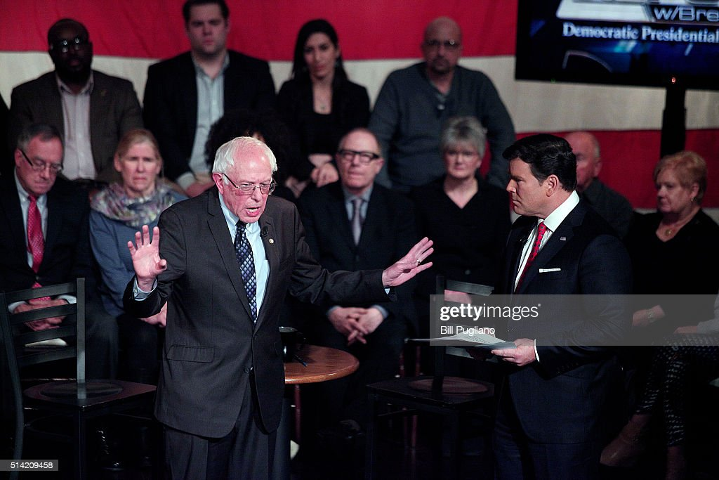 Clinton And Sanders Attend Presidential Town Hall In Detroit : News Photo