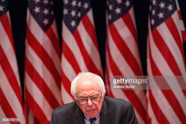 Democratic presidential candidate Sen Bernie Sanders outlines his plan to reform the US financial sector on January 5 2016 in New York City Sanders...