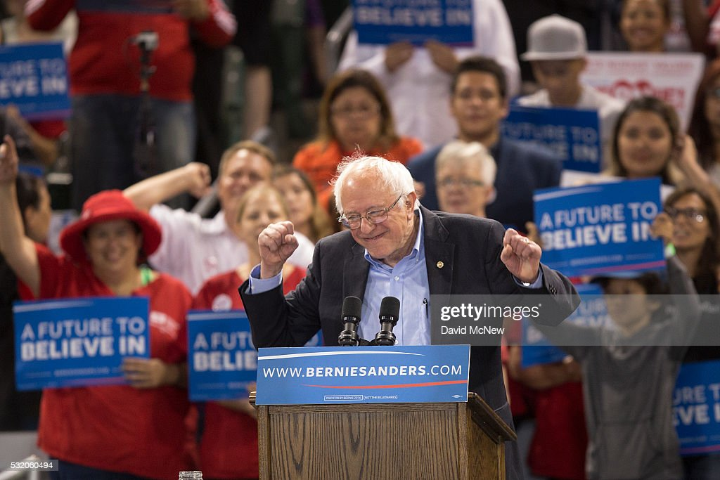 Democratic Candidate Bernie Sanders Holds Campaign Rally In Carson, California : News Photo