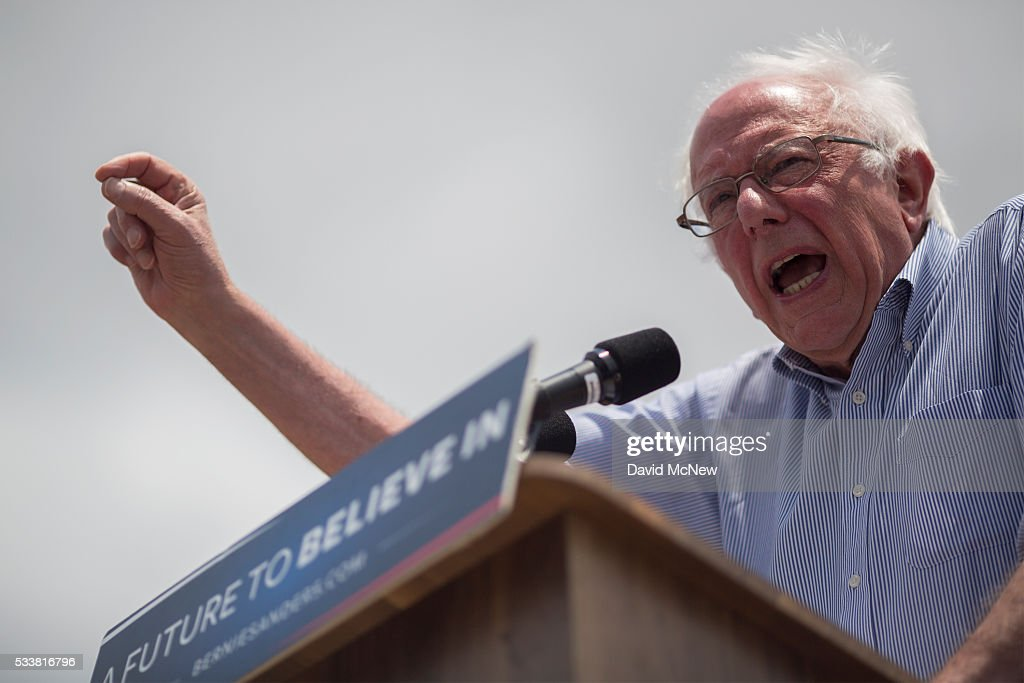 Bernie Sanders Campaigns In East Los Angeles : News Photo