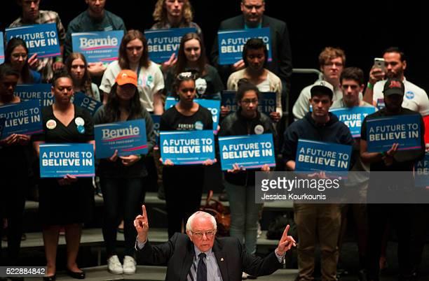 Democratic presidential candidate Sen. Bernie Sanders speaks at a town hall meeting on April 21, 2016 in Scranton, Pennsylvania. Pennsylvania...