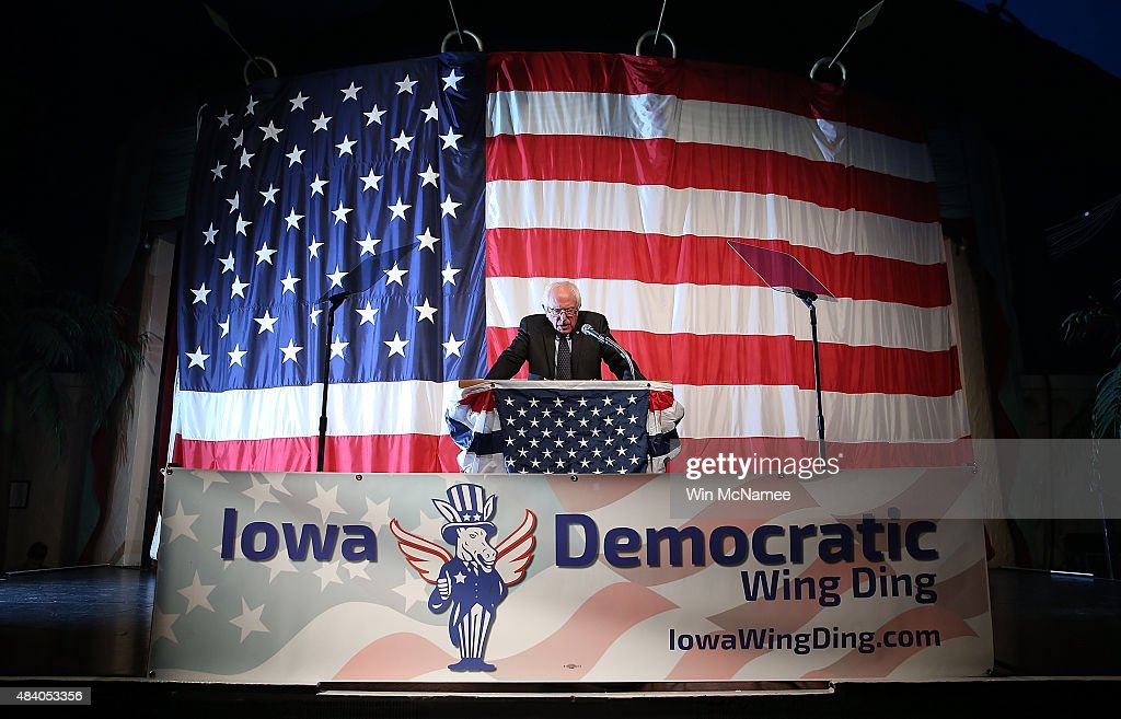 Candidates For President Attend Iowa Democrat's Wing Ding Dinner : News Photo