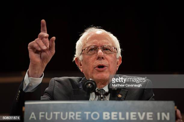 Democratic presidential candidate Sen Bernie Sanders speaks at the Claremont Opera House on February 2 2016 in Claremont New Hampshire The New...