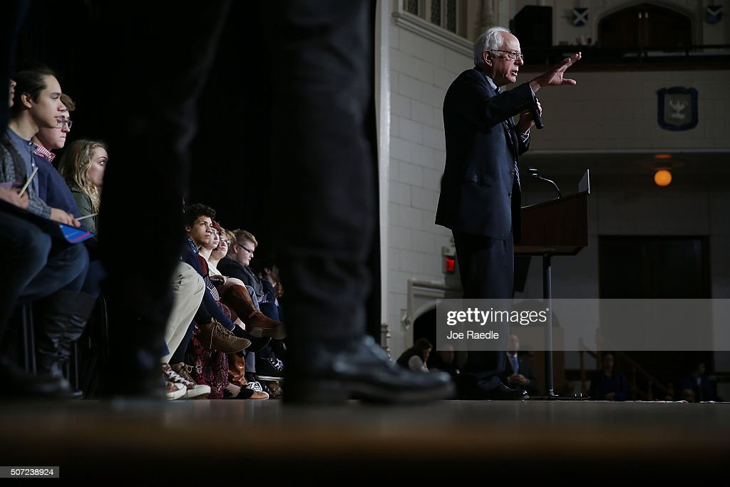 Democratic presidential candidate Sen. Bernie Sanders (I-VT) speaks during a forum at Roosevelt High School on January 28, 2016 in Des Moines, Iowa. The Democratic and Republican Iowa Caucuses, the first step in nominating a presidential candidate from each party, will take place on February 1.
