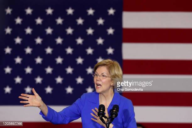 Democratic presidential candidate Sen. Elizabeth Warren addresses her supporters during a caucus night rally at the Forte Banquet and Conference...