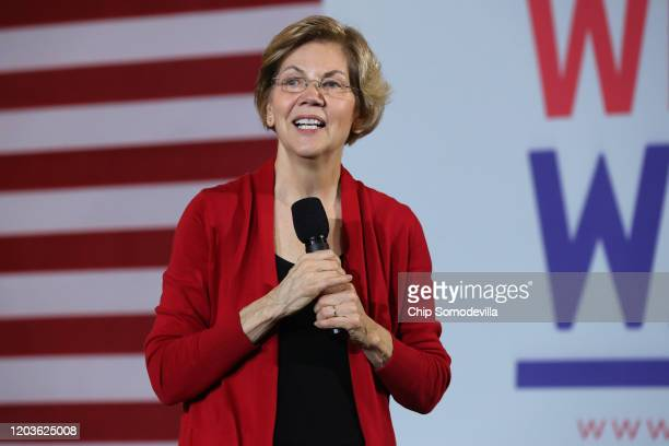 Democratic presidential candidate Sen. Elizabeth Warren speaks during a campaign event at Iowa State University's Memorial Union February 02, 2020 in...