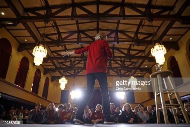 Democratic presidential candidate Sen Elizabeth Warren speaks during a campaign event at Iowa State University's Memorial Union February 02 2020 in...