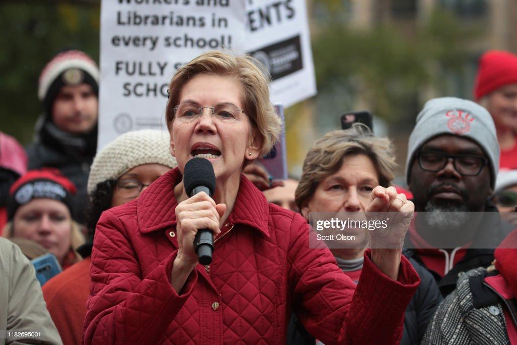 Presidential Candidate Elizabeth Warren Visits Chicago Teachers On Strike : News Photo