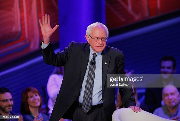 Democratic presidential candidate Senator Bernie Sanders arrives for a town hall forum hosted by CNN at Drake University on January 25 2016 in Des...