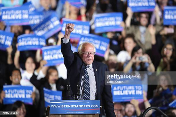 Democratic presidential candidate Senator Bernie Sanders greets supporters at an electionnight rally on June 7 2016 in Santa Monica ia Hillary...