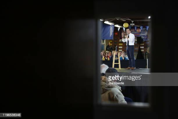 Democratic presidential candidate South Bend Indiana Mayor Pete Buttigieg speaks during a campaign event in the The Skate Pit on December 29 2019 in...