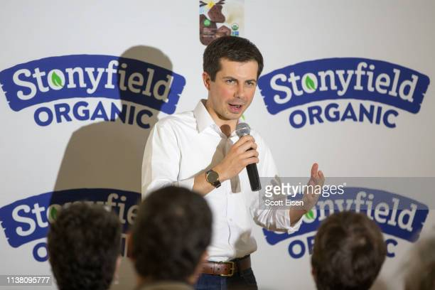 Democratic Presidential candidate South Bend Mayor Pete Buttigieg speaks during a campaign stop at Stonyfield Farms on April 19 2019 in Londonderry...