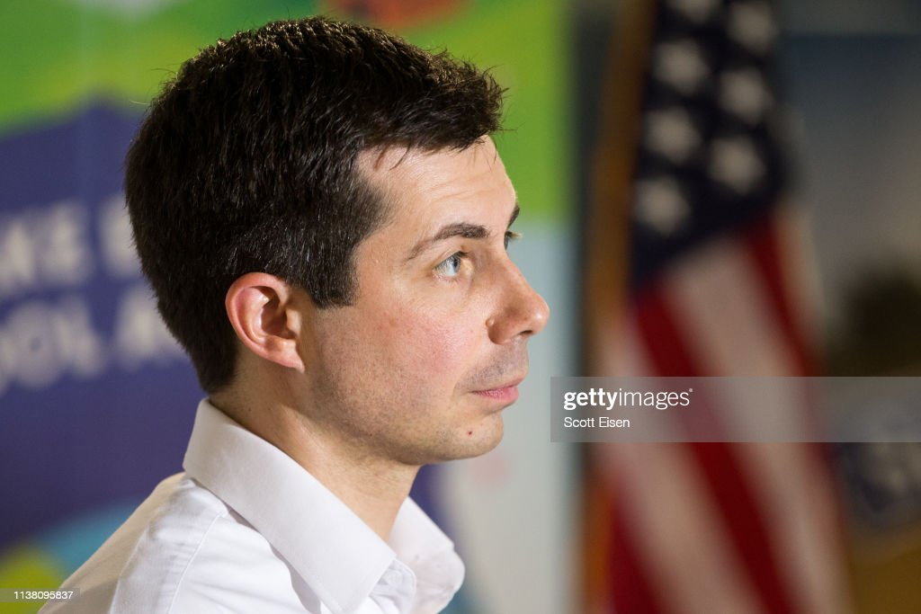 NH: Democratic Presidential Candidate Pete Buttigieg Campaigns In New Hampshire