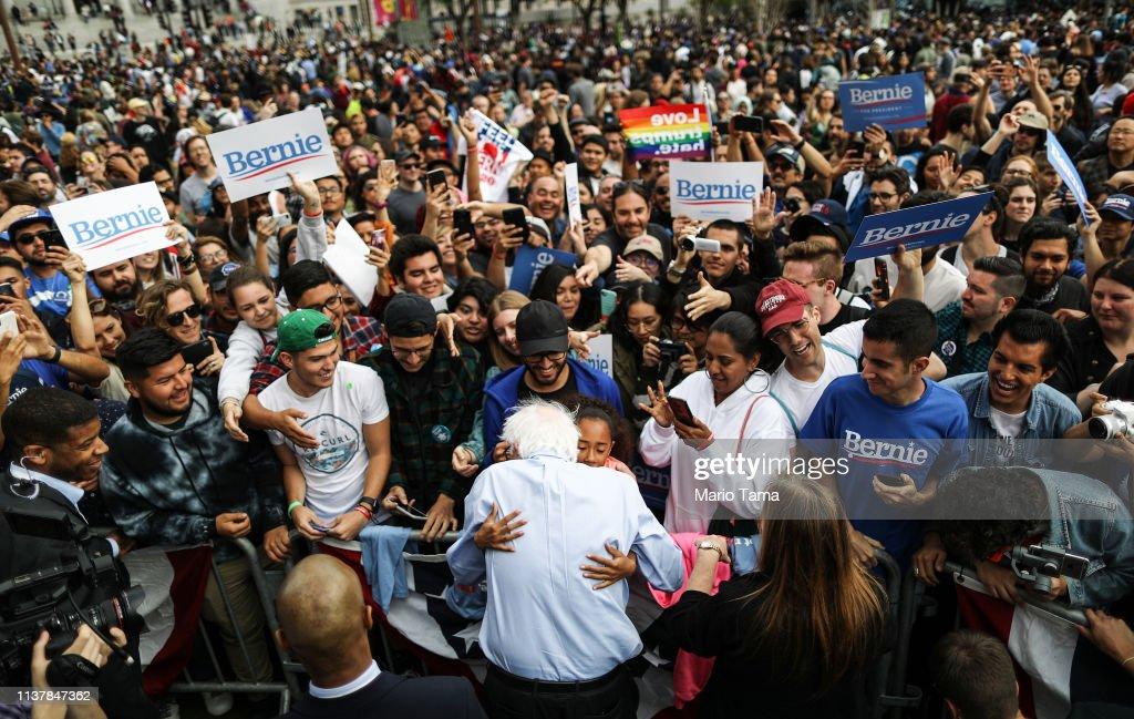 CA: Bernie Sanders Rallies Supporters In Los Angeles