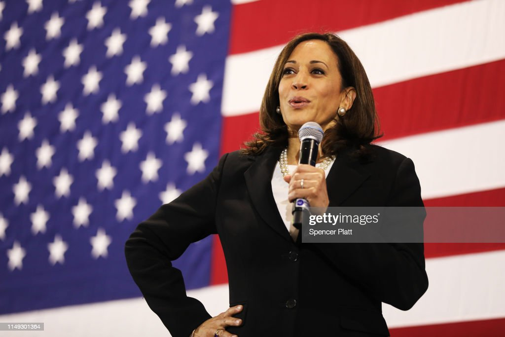 Democratic Presidential Candidate Kamala Harris Holds Town Hall In New Hampshire : News Photo