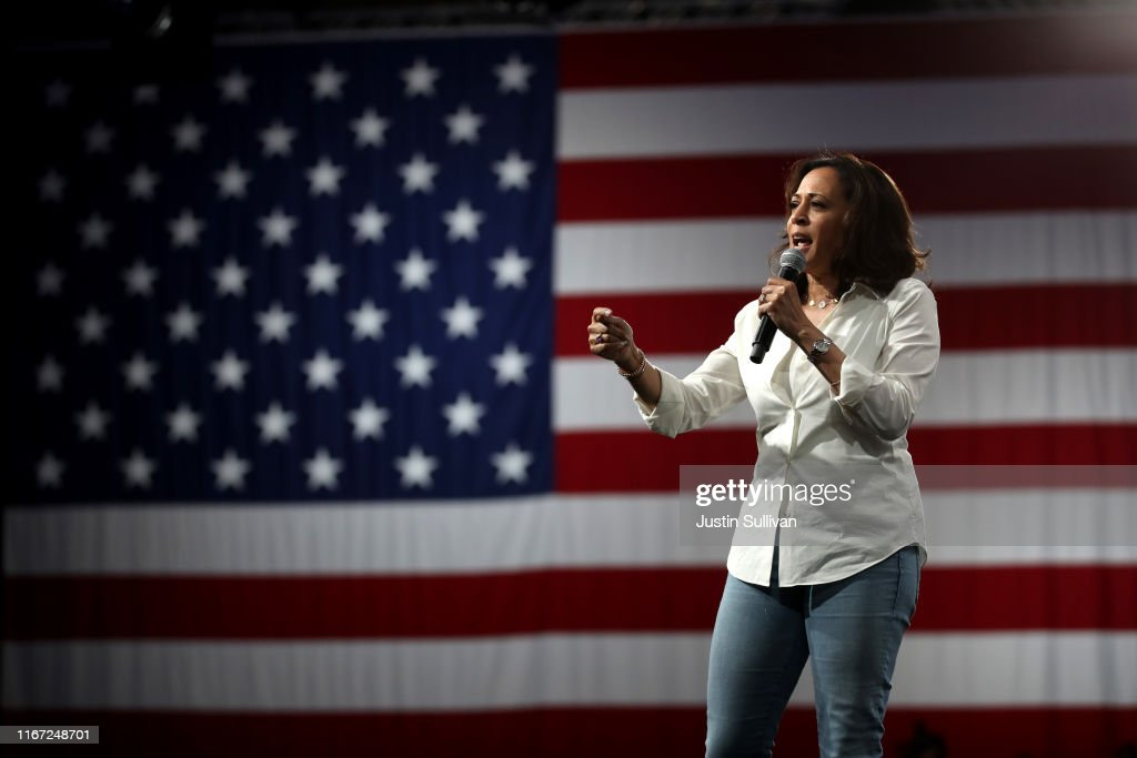 Presidential Candidate Kamala Harris Takes Campaign Bus Trip Across Iowa : News Photo
