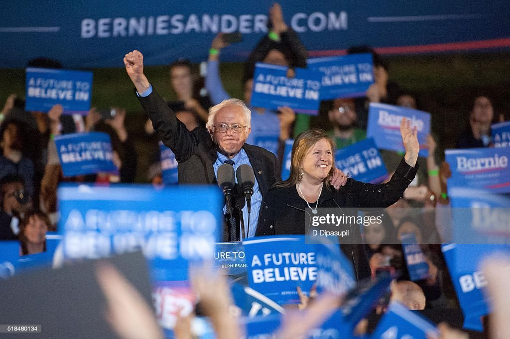 Democratic presidential candidate U.S. Senator Bernie Sanders (L) and wife Jane Sanders greet supporters at a campaign event at Saint Mary's Park on March 31, 2016 in New York City.
