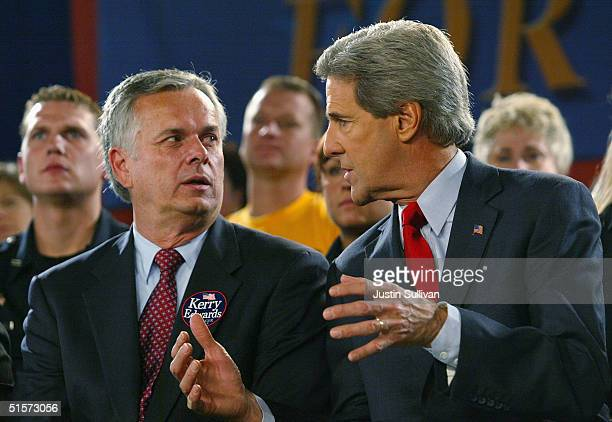 Democratic presidential candidate U.S. Senator John Kerry talks with Los Angeles mayor Jim Hahn during a rally at the University of Wisconsin-Green...