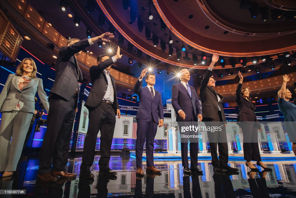 Candidates Attend First 2020 Democratic Presidential Debate : News Photo