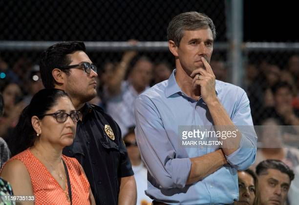 Democratic presidential hopeful and former US Representative for Texas' 16th congressional district Beto O'Rourke looks on before speaking to the...