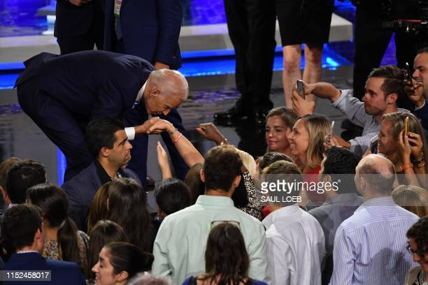 Democratic presidential hopeful Former US Vice President Joseph R Biden greets attendees after the second Democratic primary debate of the 2020...